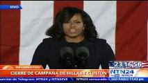 """Hillary es la persona que tenemos que tener a nuestro lado, porque ella nunca se rinde y nunca renuncia"""": Michelle Obama"""