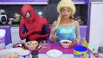 Frozen Elsa Spiderman BREAK UP Spidey Kisses Maleficent w Bad Spider Baby Doctor