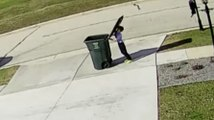 Le fils de Régis sort les poubelles!!