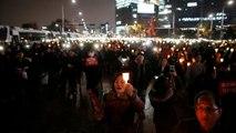 Monstre-tüntetés Szöulban az államfő ellen