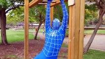 Spider-Man Elsa En El Amor Con Spider-Man Beso Elsa Reloj