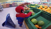 Spiderman. Buying sweets and candies Superhero Fun & Playing REAL LIFE Movie