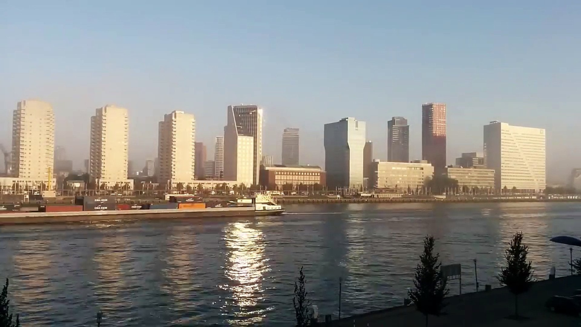 Rotterdam in 3 minutes - Travel documentary of a the Gateway to Europe
