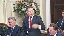 Au parlement ukrainien des parlementaires se mettent à se battre comme des chiffonniers