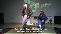 Sur scène, deux réfugiés syriens revivent leur exil en France