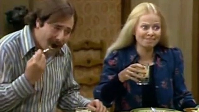 20. All in the Family S6 E20   Archie's Weighty Problem