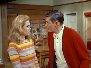 Flying saucers invade The Brady Bunch and Bewitched – Michael's TV Tray
