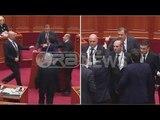 Ora News - Përplasja Paloka-Beqaj në Kuvend nga nje kendveshtrim tjeter