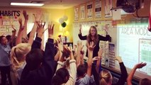 Une prof motive ses élèves avec un rap matinal
