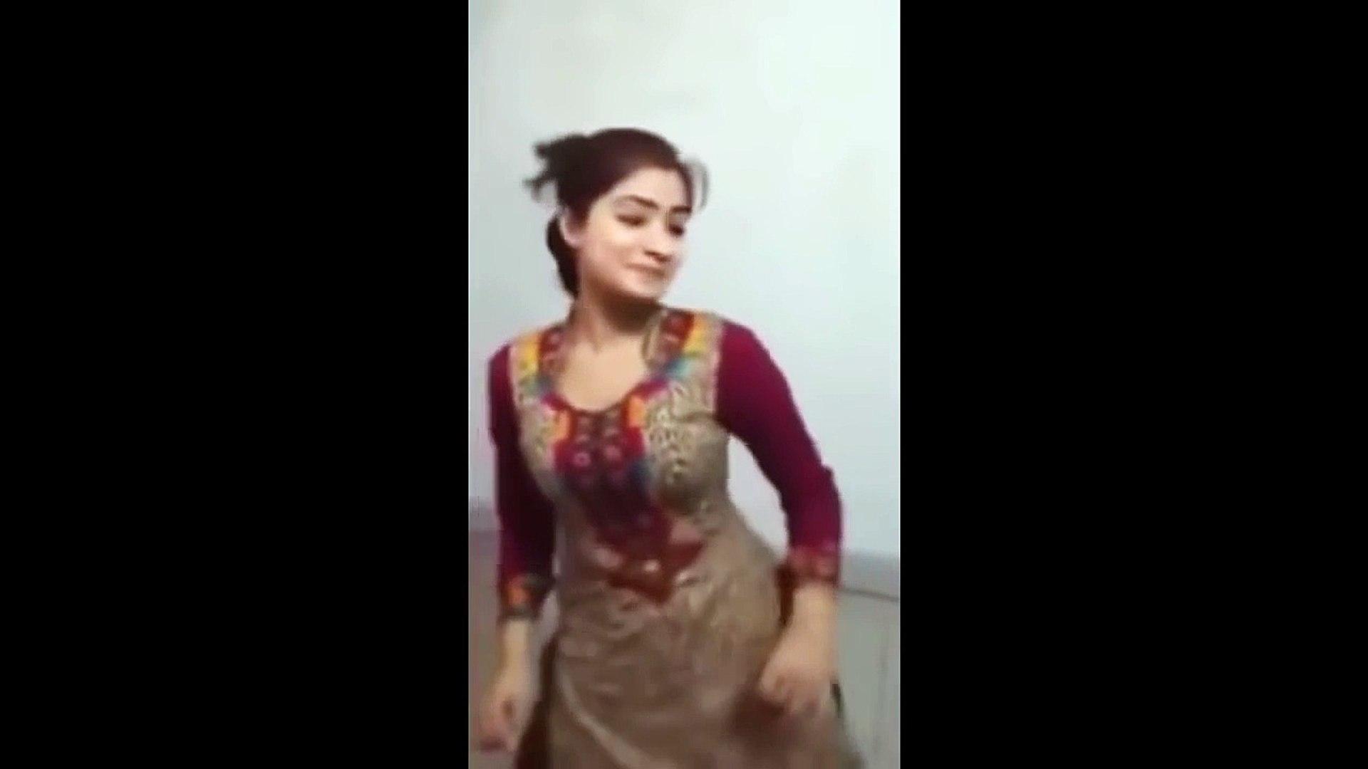 Girl Dancing Alone In Home | Trending News India | Girls Dances | Trending Videos India CCTV/ Mobile