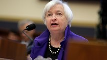 Fed chief signals December interest-rate hike, and other MoneyWatch headlines
