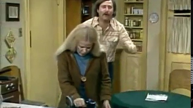23. All in the Family S6 E23 -  Mike and Gloria's House Guests