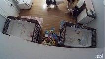 Un grand frère rattrape son petit frère qui tombe de la table à langer !