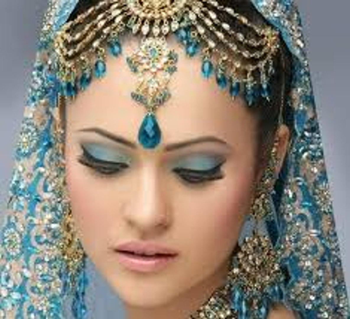 Bridal Makeup - Traditional Bridal Makeup - beautiful Bridal Makeup