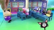 Свинка Пеппа и рыбка Голди на конкурсе домашних любимцев питомцев. Мультики из игрушек