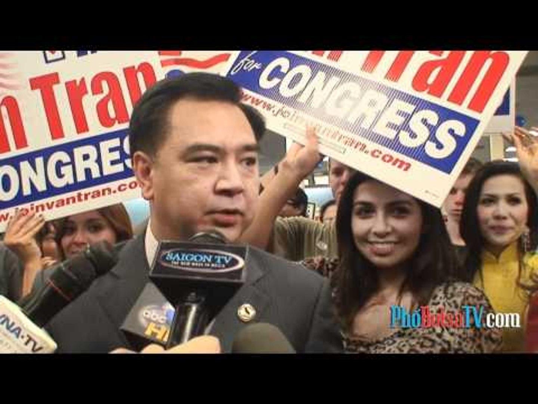 ƯCV Trần Thái Văn trả lời truyền thông trong đêm bầu cử
