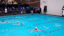 Ils nagent dans une piscine extérieure en plein mois de novembre à Theux
