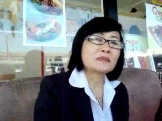 Thùy Hương nói về cuộc họp báo của UBĐNCVHVCSVN