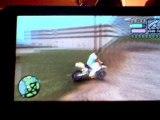 Cascades en moto cross dans gta