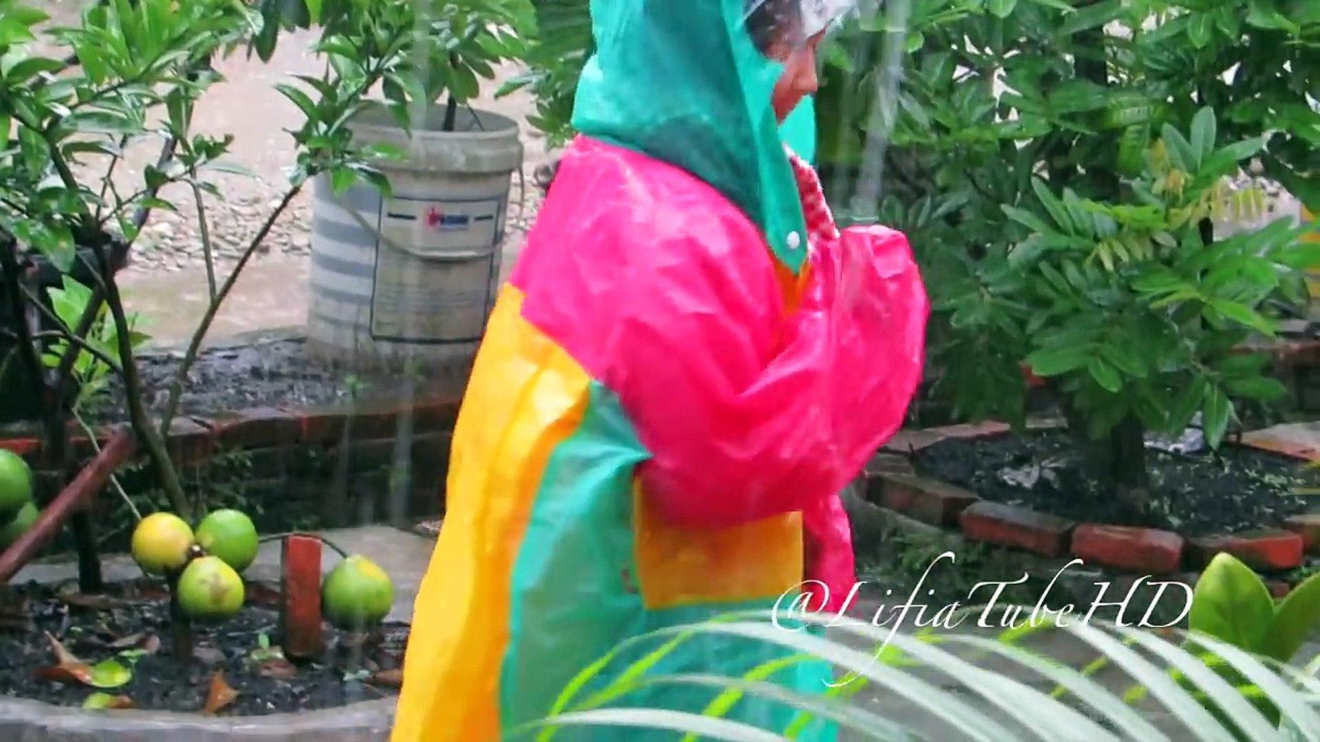 Anak Kecil Asik Mandi Hujan ❤ Happy Rain Day Kids - Kids Activities