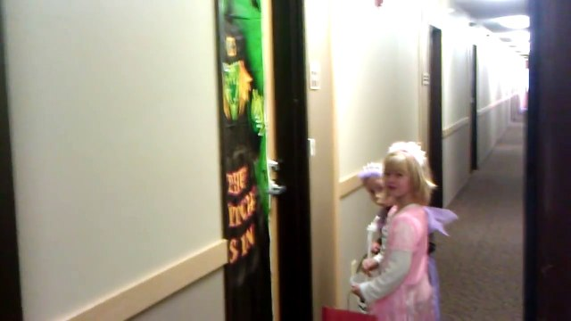 KIDS FIRST TIME TRICK OR TREATING ! TRICK OR TREAT HALLOWEEN