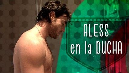 En la ducha con Aless