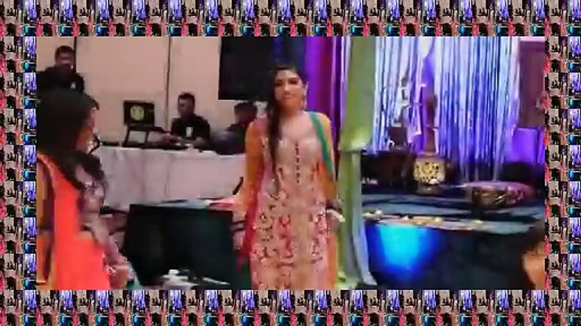 2016 Beautiful Mehndi Dance Performance By Beautiful Girls on Old hindi remix Mehndi Songs