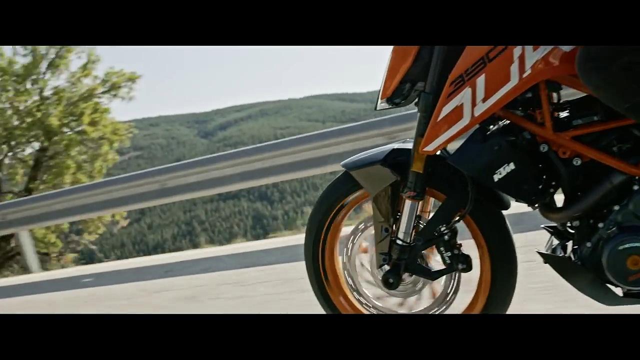 KTM 390 DUKE – The corner rocket | KTM