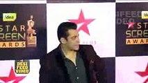 Salman Khan & Shahrukh Khan at Star Screen Awards 2016 Red Carpet - Salman & Shahrukh Together