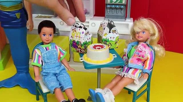 DisneyCarToys Barbie McDonalds vs Barbie Burger King Toys with Frozen Elsa Spiderman Mike