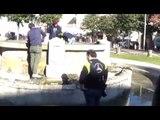 Aversa (CE) - Ripulita la fontana di Piazza Vittorio Emanuele (05.12.16)