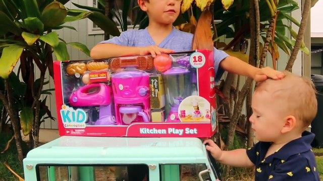 FOOD PLAY KITCHEN! Giant Play Food Set Cooking Blender Prank Mixer Little Tikes Toys