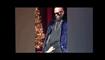 En plein concert, une fan attrape les parties intimes de R. Kelly.