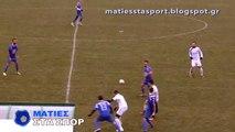 Ce footballeur grec sur la ligne de but n'avait plus qu'à pousser le ballon mais s'est raté