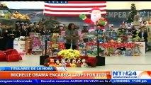 Michelle Obama encabeza evento de caridad para entregar regalos de navidad a los más necesitados