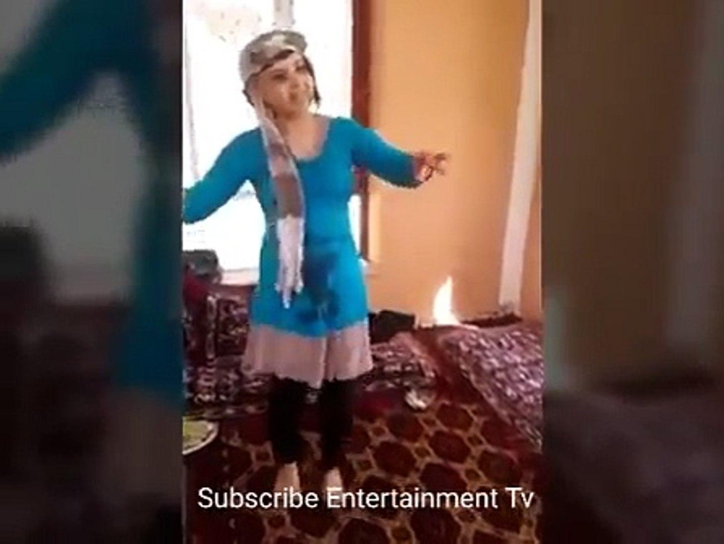 Afghan Local Girl Dance Mast Qataghani رقص خانگی مست دختر افغانی