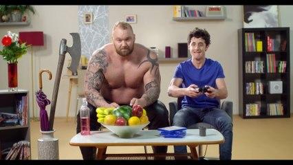 Publicité manette PS4 Revolution Pro Controller de