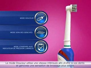 Oral-B Pro 3000 - Brosse à dent 3 fonctionnalités pour de meilleurs résultats.