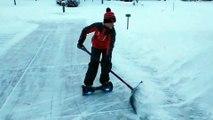 Déblayer la neige en Hoverboard