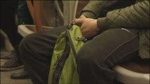 Fermez les jambes dans les transports en commun!
