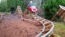 Des montagnes russes pour enfants ! Génial !