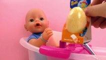 Sel de bain pour un bain amusant – Nous testons la baignoire du Baby Born avec lœuf magique Tinti