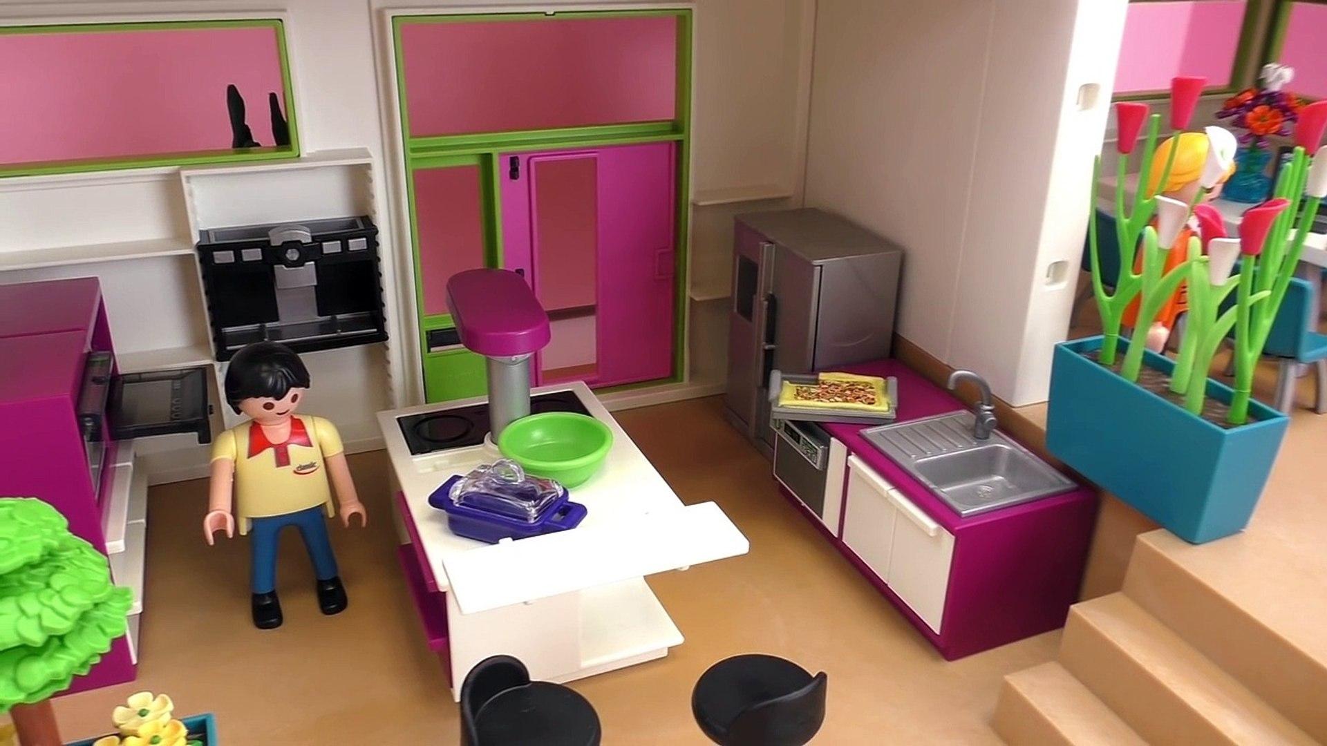Playmobil Luxusvilla Playmobil - mit Pool, Küche, Badezimer, Kinderzimmer,  Wohnzimmer