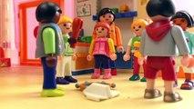 Playmobil film français – Maik a été oublié dans les toilettes du jardin denfants