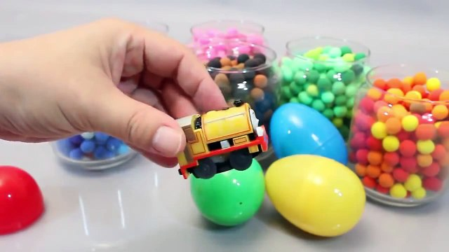 Mundial de Juguetes & Play Doh Dots Surprise Eggs Toys Baby Doll Bath Time in Colours Cand