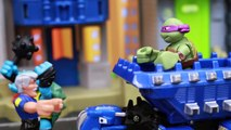 Teenage Mutant Ninja Turtles Ride DinoTrux Robot Dinosaur and Chase Slash Put in Transformers Jail