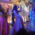 Mawra Hocane and Alyzeh Gabol Dance on Breakup Song at Urwa Farhan wedding reception !