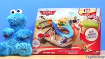 Micro Drifters Air Dare Loop Track Set Disney Planes with Dusty Crophopper new
