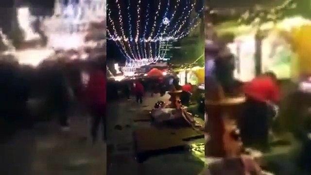 Les dégâts au marché de noël de Berlin quelques minutes après l'attentat