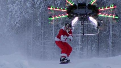 Casey Neistat se déguise en père Noël et vole avec un drone !